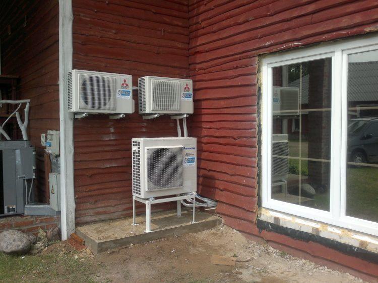 Atliekami oro vėdinimo ir kondicionnavimo montavimo darbai.